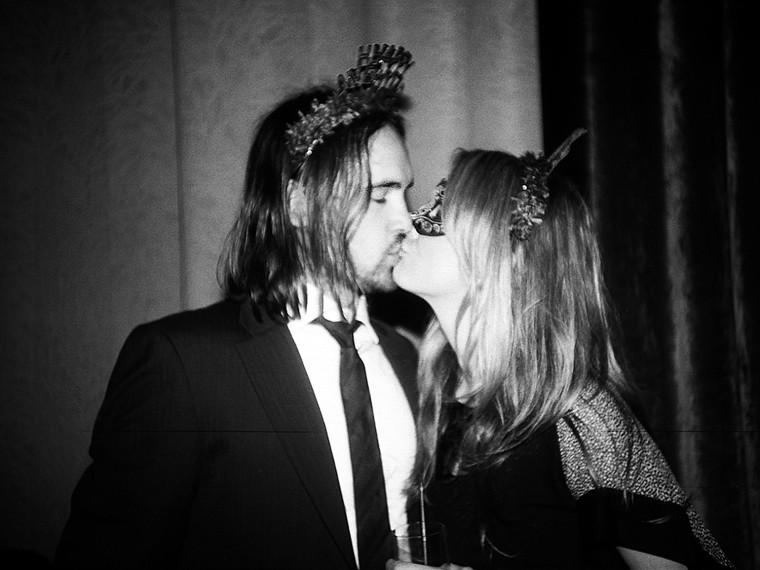 new-years-kiss-jessie_1500_0_resize_90